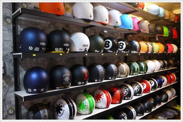 Cửa hàng bán nón bảo hiểm Uy Tín