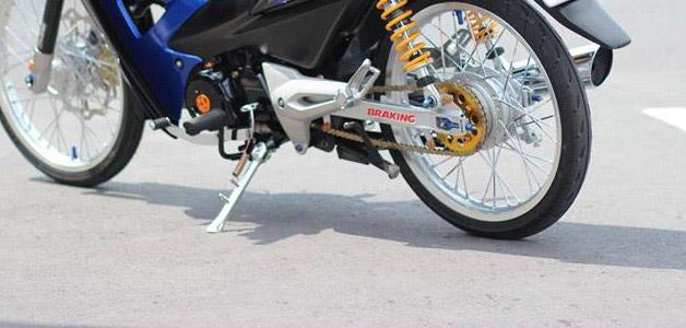 Chân chống racingboy với đường nét thiết kế độc đáo