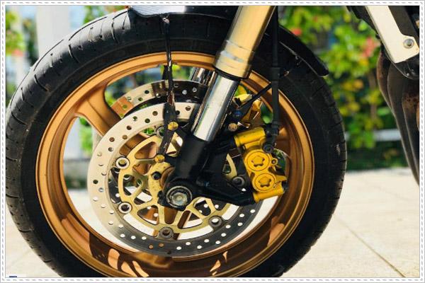 Những nét nổi bật của mẫu Honda CB400 độ Cafe Racer
