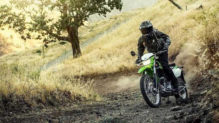 Enduro vẫn có thể chạy offroad nhưng độ hoàn hảo sẽ không bằng motocross