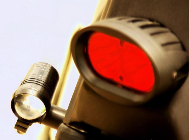 Bóng đèn sau của xe cùng cặp đèn xi nhan