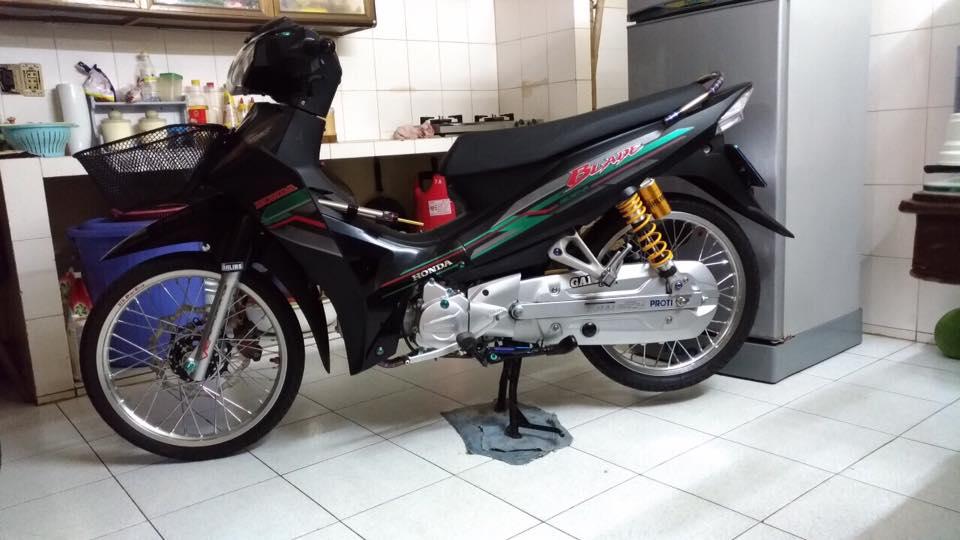 Honda Blade 110 độ giá trị với dàn chân châu âu