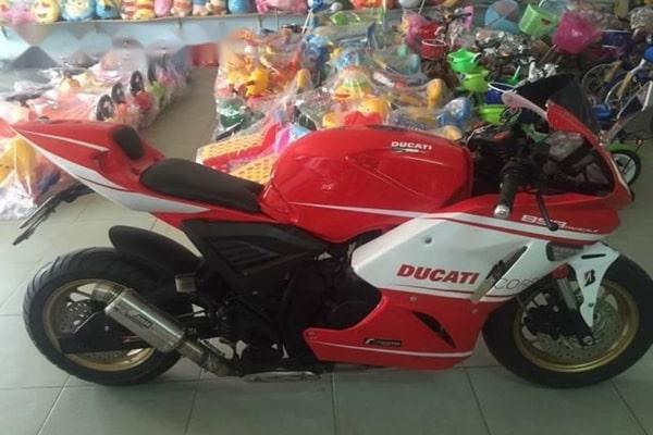 Rebel CB125R độ phong cách Ducati Mini lạ mắt
