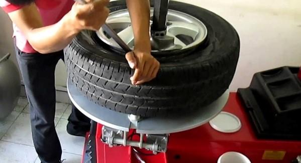 Cách vá lốp không săm