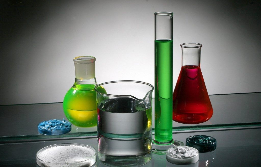 Yêu cầu của một chất phụ gia trong dầu nhớt là gì?